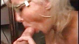 Một xxx video co giao thao cô gái tóc vàng là một sâu sắc hơn, tóc vàng, trồng